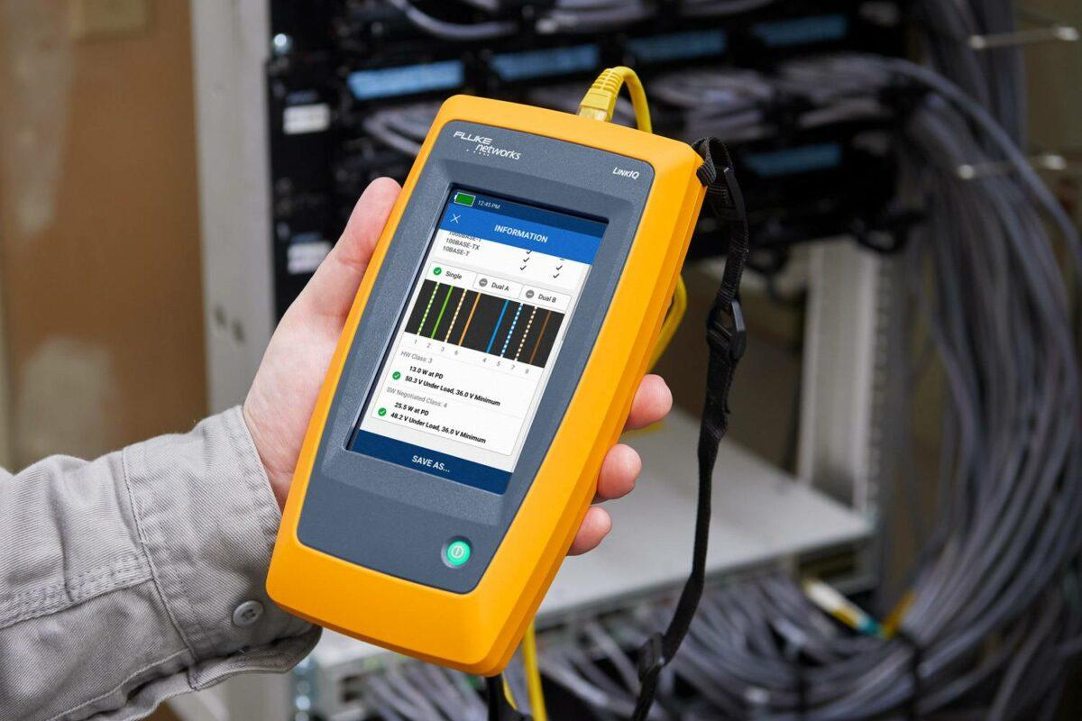 Évaluer et augmenter les performances de votre réseau filaire industriel avec ce testeur de câbles innovant